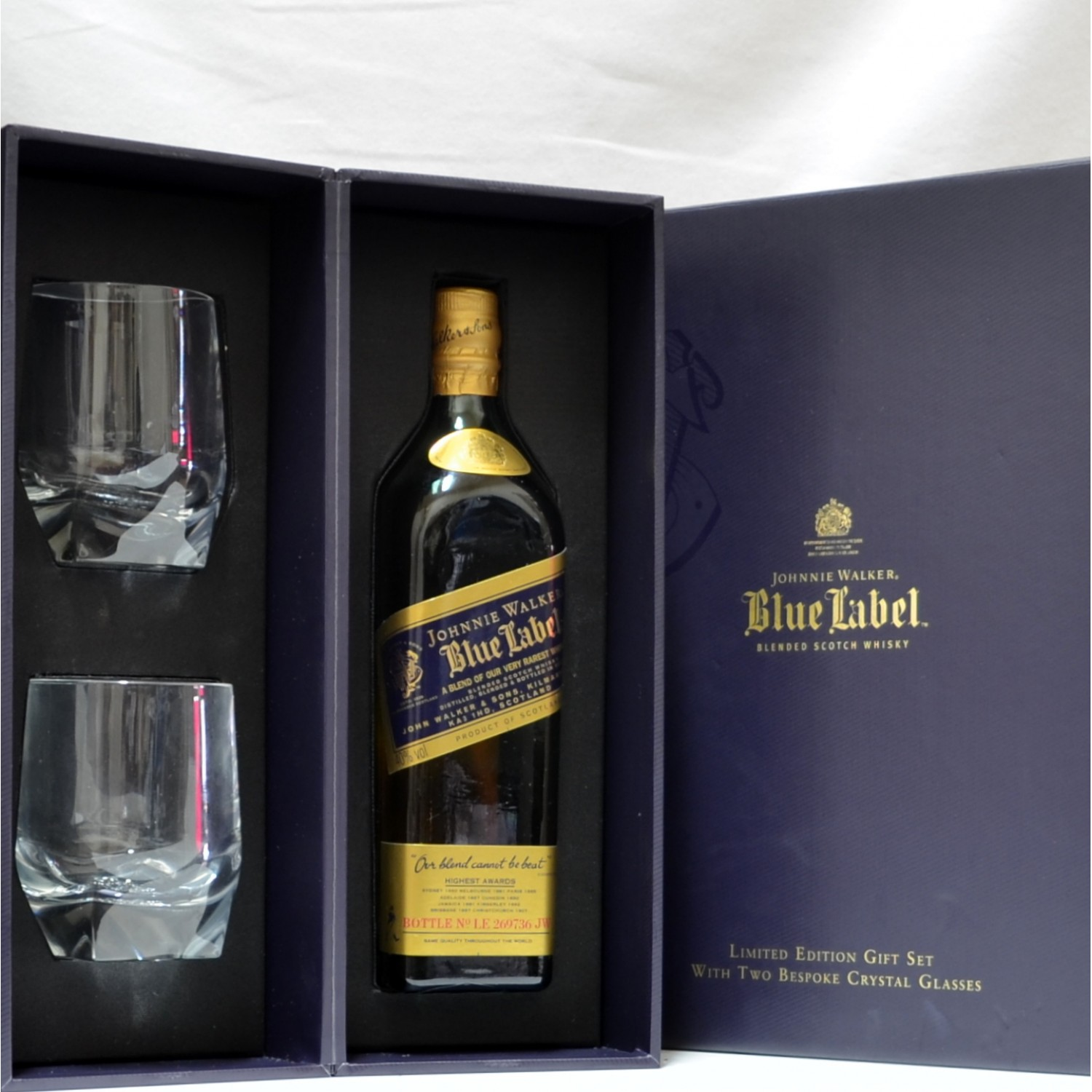 Scotch Whisky Auctions   The 17th Auction   Johnnie Walker Blue Label Gift Set