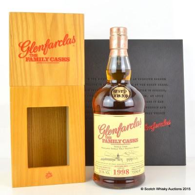 Glenfarclas Family Cask 1998 & Glenfarclas - An Independent Distillery Book