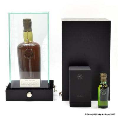 Ardbeg Special 1965 39 Year Old With Mini In Museum Case