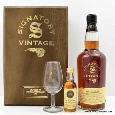 Glenlivet 1969 31 Year Old Signatory with Mini & Glass Set