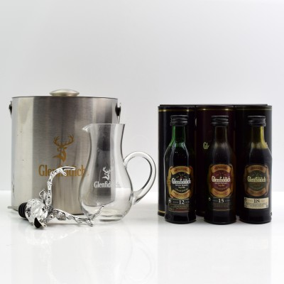 Glenfiddich Mini Collection x 3 5cl Glenfiddich Ice Bucket, Water Jug & Stag's Head Pourer