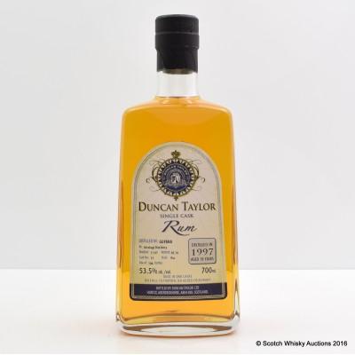 Uitvlugt 1997 18 Year Old Duncan Taylor Single Cask Rum