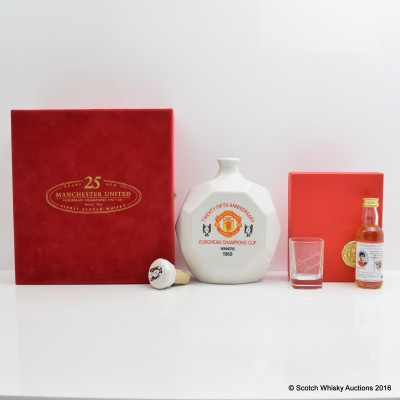 Manchester United 25th Anniversary Decanter & George Best miniature with glass