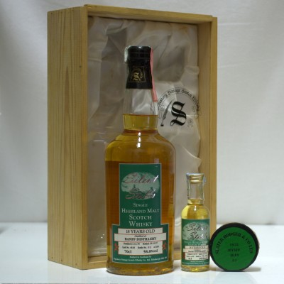 Banff 18 Year Old Signatory with Mini & Bung In Box