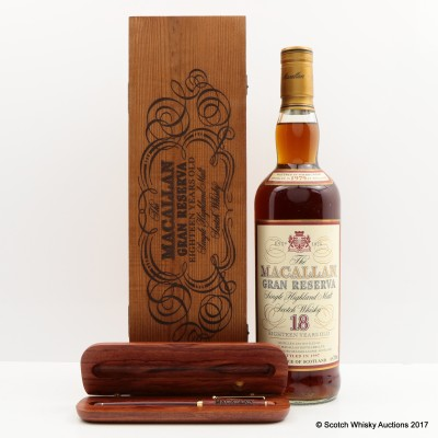 Macallan 1979 18 Year Old Gran Reserva With Macallan Wooden Pen