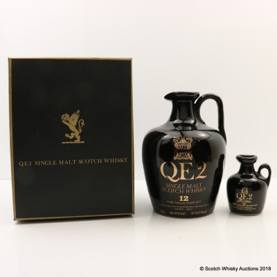 QE2 Ceramic Flagon 12 Year Old 75cl With Matching Mini